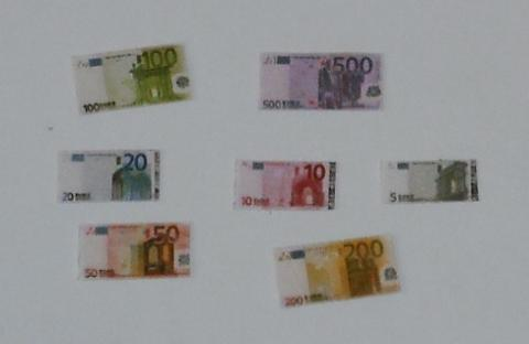 *SALE* Euro notes
