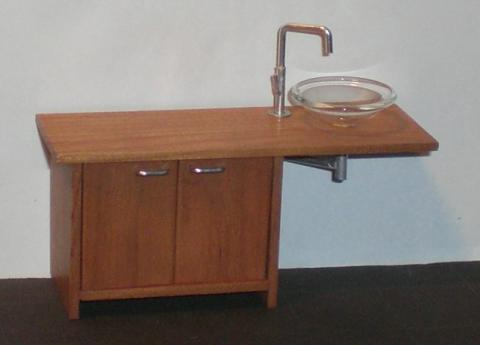 Vanity in mahogany with glass bowl