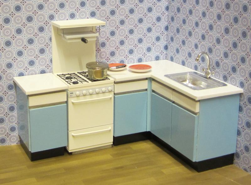 1970s KITCHEN (Free-standing oven) - 10% off