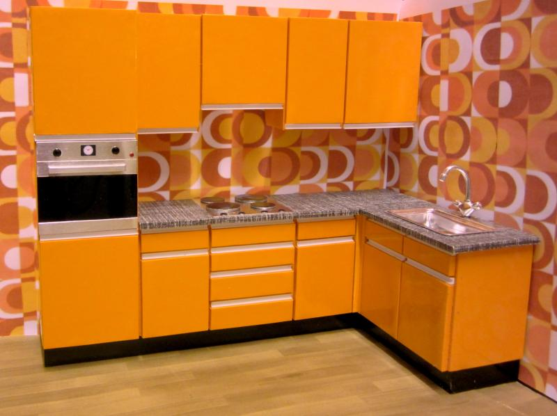 1970s KITCHEN (with column oven)