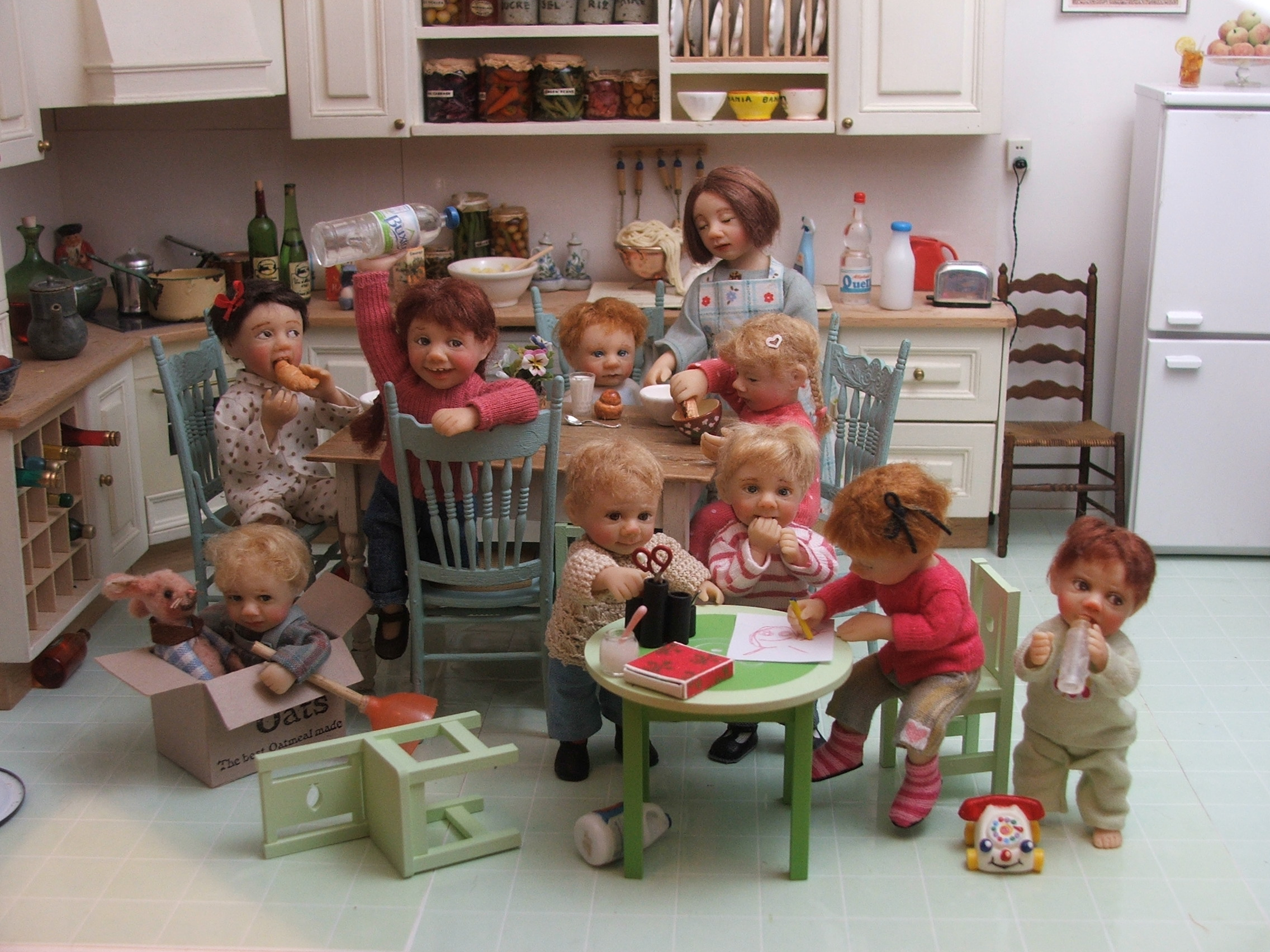 ELF kitchen with Catherine Meunieres dolls.JPG