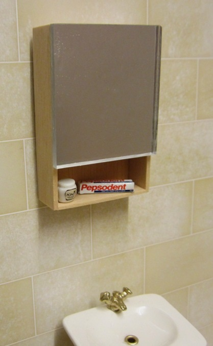 EAZY LIVING compact bathroom cabinet