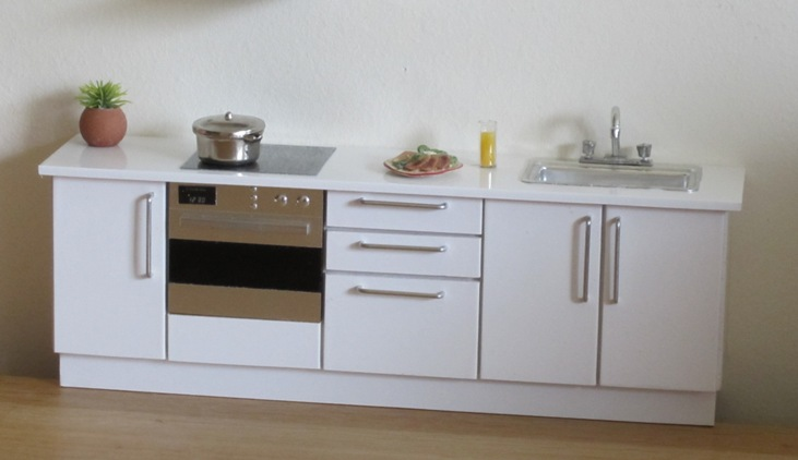 Compact kitchen - white